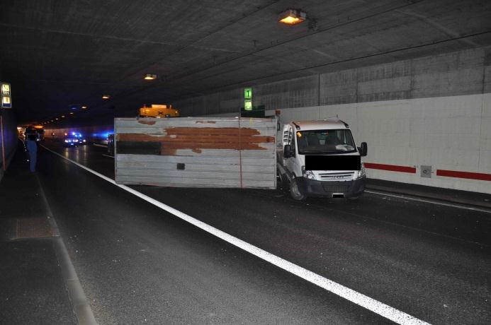 biberist so autobahntunnel wegen unfall gesperrt. Black Bedroom Furniture Sets. Home Design Ideas