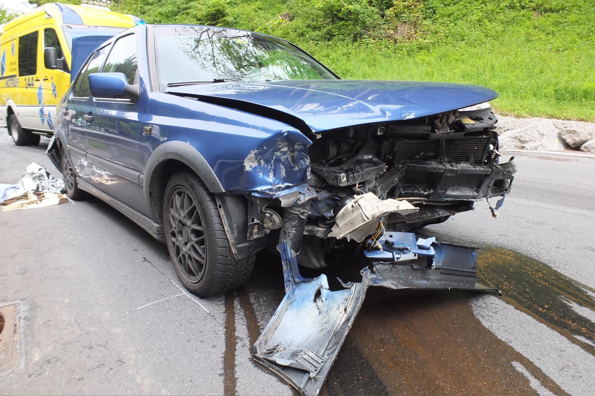 Gams SG - Beifahrerin bei Unfall verletzt   Polizei-Schweiz.ch