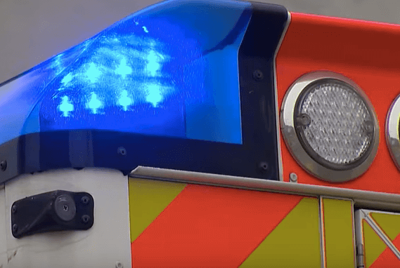 Windisch AG – Automobilist erfasst junge Fussgängerin mit Kinderwagen