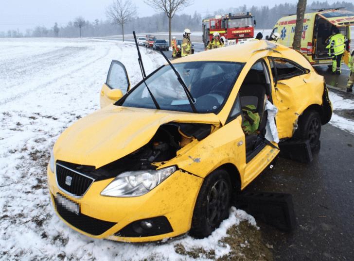 Scherz AG – Drei Unfälle auf schneebedeckten Strassen
