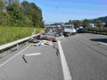 Unfall St.Gallen SG - Anhänger auf der A1 gekippt
