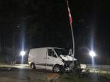 Eptingen BL - Lenkerin eines Lieferwagens bei Selbstunfall verletzt