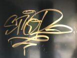Siders, Sitten VS - 22-Jährige taggt mehrere Gebäude und Bushaltestellen