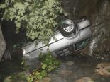 Isenthal UR - Autofahrer (19) bei Verkehrsunfall lebensbedrohlich verletzt
