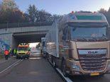 Unfall Kernenried BE - Kollision zwischen drei Sattelmotorfahrzeugen