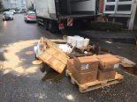 Birsfelden BL - Verkehrsbehinderungen wegen umgekippter Palette mit Honig