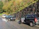 Engi GL - Verkehrsunfall mit entgegenkommenden PW