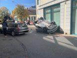 Uster ZH - Spektakulärer Verkehrsunfall mit drei Autos
