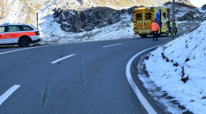 Davos GR - Motorradlenker nach Unfall verletzt