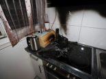 Bilten GL - Frau nach Kaffemaschinenbrand ins Spital gebracht