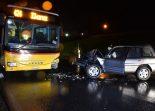 Rueun GR - Ein Verletzter bei Frontalunfall mit Postauto