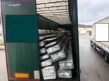 Thayngen SH - Sattelzug mit verrutschter 20-Tonnen-Ladung