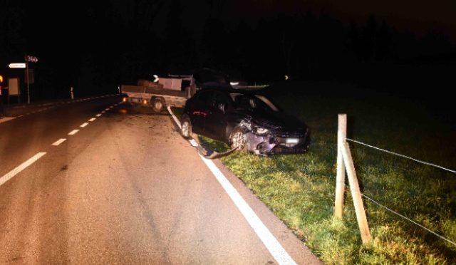 Verkehrsunfall Wittenbach SG - Lieferwagen crasht in Auto