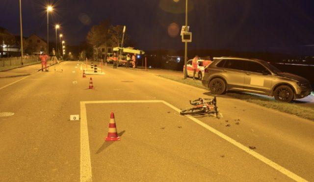 Unfall Gundetswil ZH - 10-jähriger Knabe von Auto erfasst