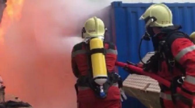 Zürich ZH - Baucontainer auf PJZ Baustelle vollständig ausgebrannt