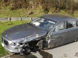 Unteriberg SZ - PW-Lenker nach Unfall schwer verletzt