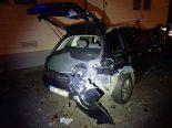 Aarburg AG - Autofahrer prallt gegen parkierte Fahrzeuge