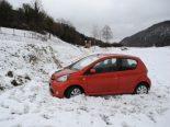 Selbstunfall Osterfingen SH - Auto überschlägt sich