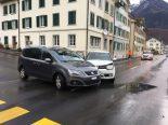 Schwanden GL - Kollision zwischen zwei Autos