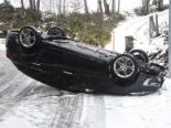 Unfall Walenstadtberg SG - Auto auf Dach gekippt