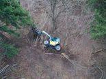 Paspels GR - Bei Forstarbeiten mit Arbeitsmaschine Abhang hinuntergestürzt
