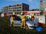 Schwerer Unfall in Cham ZG - Lenkerin eingeklemmt