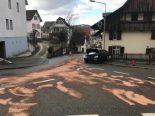 Füllinsdorf BL - Autofahrerin verursacht Selbstunfall