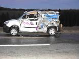 Unfall Kirchberg SG - Seitenladeklappe schlitzt Lieferwagen auf