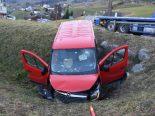 Gams SG - Mit Lieferwagen verunfallt
