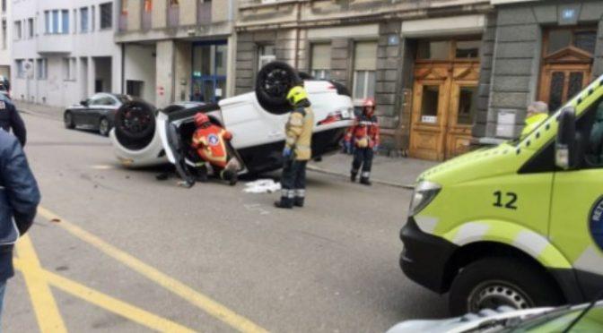 Selbstunfall Basel-Stadt BS - Auto überschlägt sich