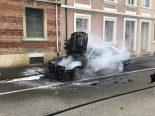 Münchenstein BL - Auto bei Brand komplett zerstört