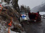Unfall Sils GR - Auto überschlägt sich