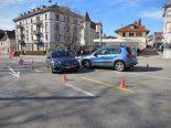 St.Gallen SG - Lenker (20) verursacht Unfall durch «U-Turn»