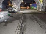 Tödlicher Unfall in Feldbach ZH - Lenkerin (38) prallt in Brückenpfeiler