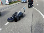 Pratteln BL - Töfffahrer bei Selbstunfall verletzt