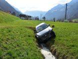 Selbstunfall in Wolfenschiessen NW - Auto durchschlägt Begrenzungszaun