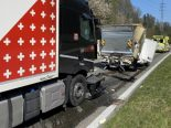Heftiger Auffahrunfall in Würenlos AG - Grosser Schaden