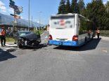 Walenstadt SG - Unfall zwischen Linienbus und Auto