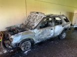 A13, Mesocco GR - Personenwagen vollständig ausgebrannt