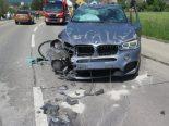 Selbstunfall in Birslach BL - BMW-Fahrer kracht in Gartenmauer