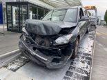 Zofingen AG - Bei Verkehrsunfall in Heck von Linienbus geprallt