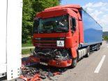 Unfall A2 Itingen BL - LKW crasht LKW