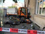 Basel - Führerloser Kleinlastwagen beschädigt über 30 Fahrzeuge