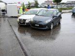 Selbstunfall Rapperswil-Jona SG - Fahrer prallt in parkiertes Auto