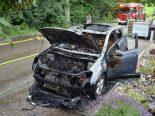 Itingen BL - Auto bei Brand komplett zerstört