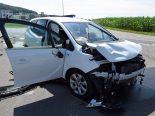 Lieferwagen-Unfall Triengen LU - Fahrer (26) prallt in Garagenbox