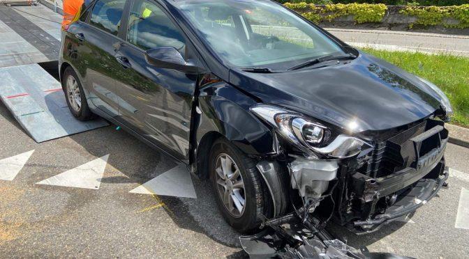 Döttingen AG - Unfall wegen Rotlicht-Missachtung?
