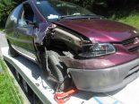 Netstal GL - Bei Verkehrsunfall in Strassenzaun geprallt