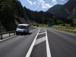 Bärenburgtunnel Andeer GR - Heftiger Unfall mit Lieferwagen