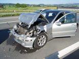 Cham ZG - Unfall führt zu Verkehrsbehinderungen auf Autobahn